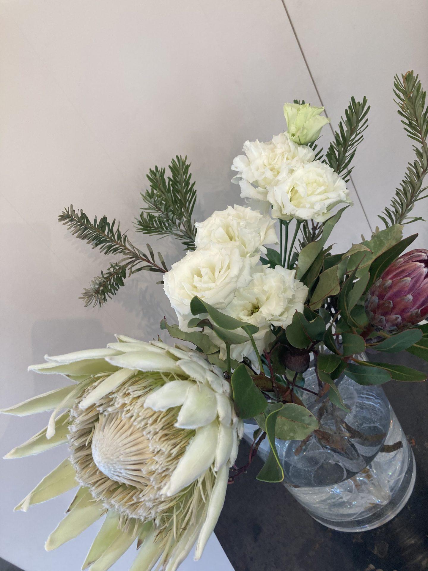 青山ファーマーズマーケットで購入した白いすてきなお花