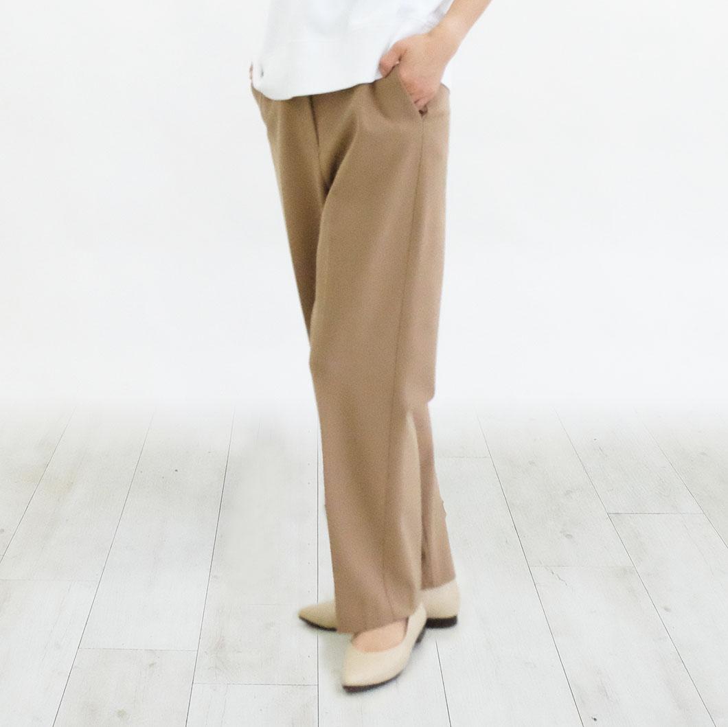 色違いで毎日履きたくなるスニーカーのような気軽さも持ち合わせている一足です