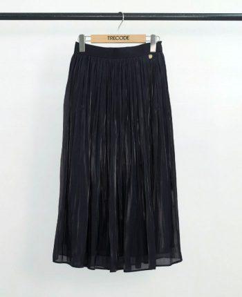 七五三、付き添い家族のシャイニーギャザーフレアロングスカート。ブラック、コーディネート着回し抜群スカート。