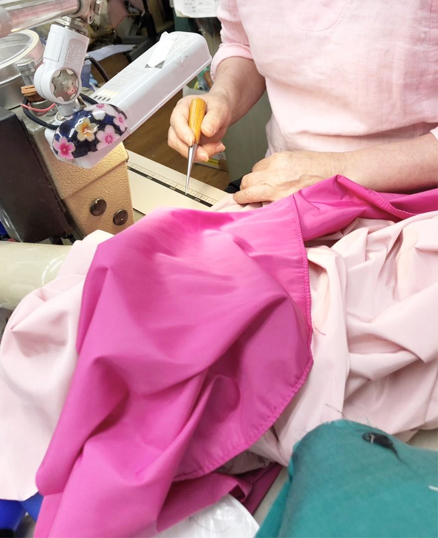 神戸・山の手 だんだんエシカルスカート ミモレ丈。アップサイクルでエシカルに。スカート作成作業工程。