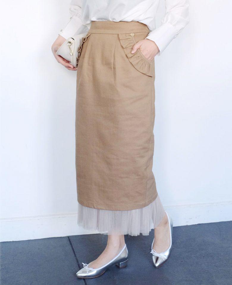 ベージュの神戸・山の手ポケットフリルスカート&フリルチュールペチコート シルバーのポインテッドバレエ