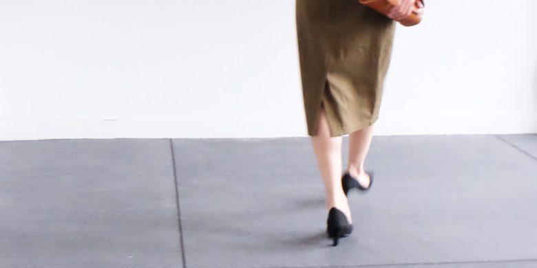 しっかり試着してもまだ踵が脱げてしまう場合は後付けのシューリペア用品でサイズ調節してください。