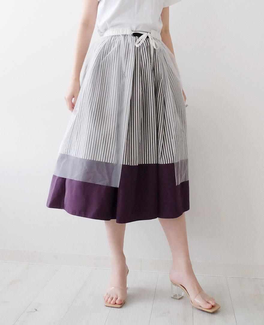 神戸・山の手チュールエプロンスカートのホワイトに、神戸・山の手だんだんエシカルスカートをレイヤード