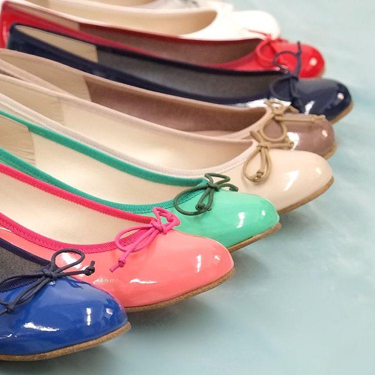 ファルファーレの代表的な人気のフラットバレエシューズ【バレエ(エナメル)】は豊富なカラー展開と履きやすさがおすすめ
